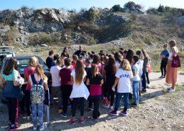 učenici slušaju o djelokrugu rada čuvarske službe