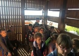 Osnovnoškolci u razgledu promatračnice Galičak